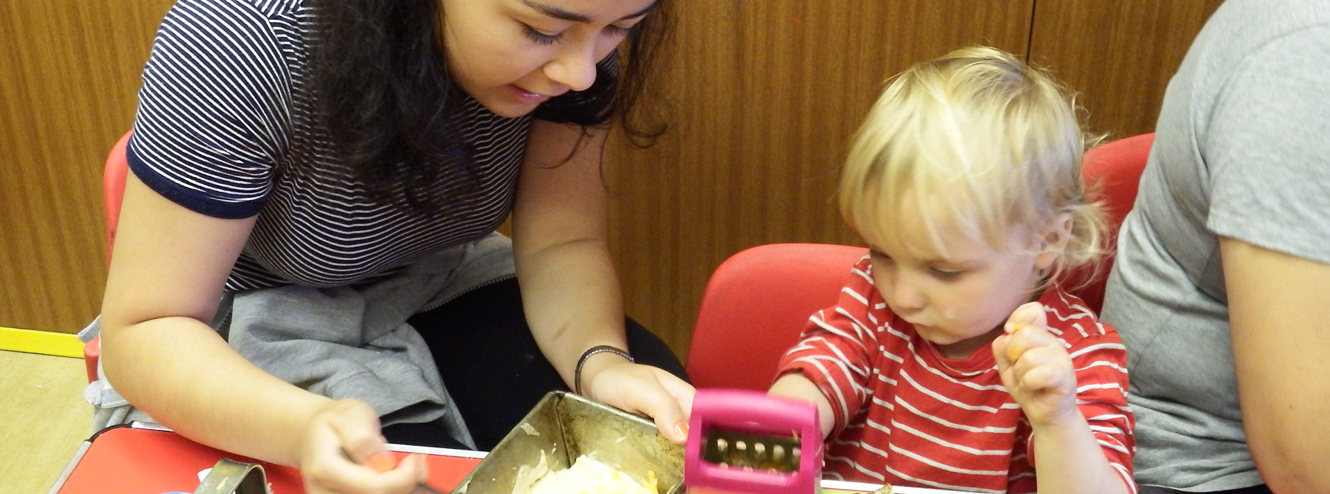 Borrow toys and stay & play!Toy Libraries
